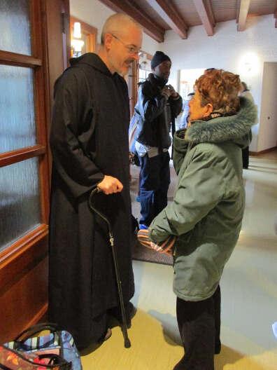 Frère André-Gérard à l'accueil